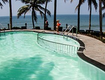 swimming-pool-varkala-small