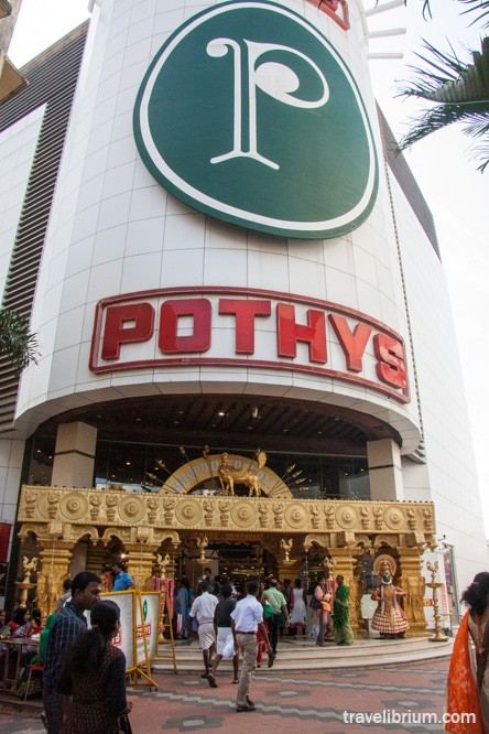 pothys, trivandrum, big shop in trivandrum